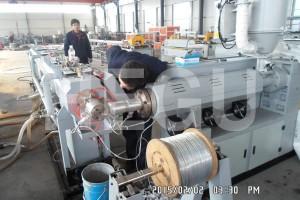 Pe listrik conduit nyieun mesin kalayan kawat baja