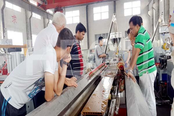 Дървопластика WPC машина PVC профил WPC машина Featured Изображение