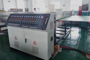 מכונות עזר פלסטיק מכונת גיליון עבור מכונת גיליון חלול פרופיל PP